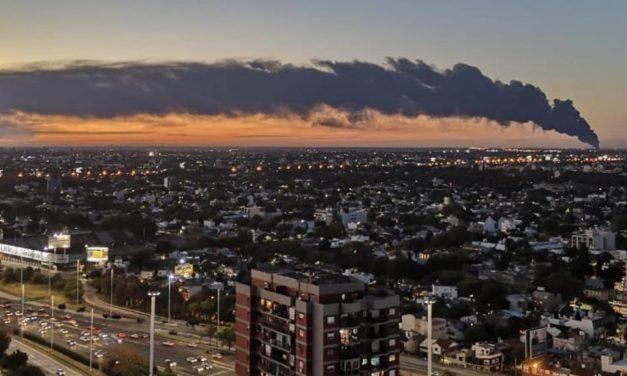 Incêndio na Argentina é visto até do Uruguai e por satélite