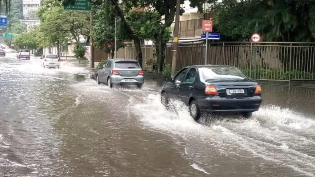 """<span class=""""entry-title-primary"""">Chuva intensa no Rio de Janeiro</span> <h2 class=""""entry-subtitle"""">Temporal atingiu a capital fluminense neste sábado e o risco de chuva forte prossegue neste fim de semana </h2>"""