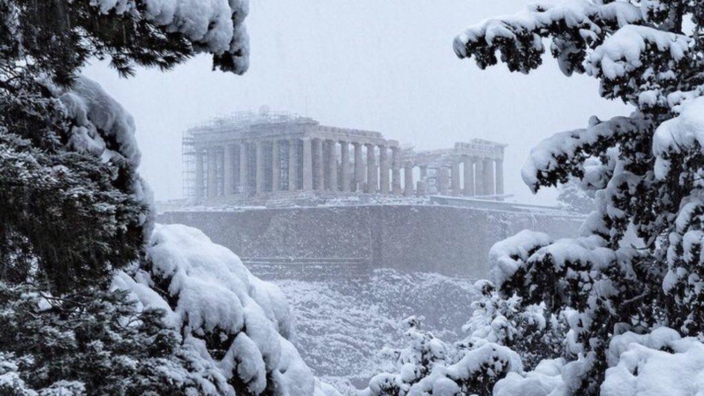 """<span class=""""entry-title-primary"""">Rara nevasca em Atenas</span> <span class=""""entry-subtitle"""">Tempestade de neve atingiu a capital da Grécia e Temperatura chegou a -25°C no país </span>"""