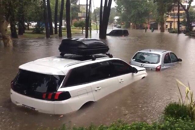 """<span class=""""entry-title-primary"""">Muita chuva e tornado na Argentina</span> <h2 class=""""entry-subtitle"""">Costa atlântica da província de Buenos Aires foi a região mais atingida </h2>"""