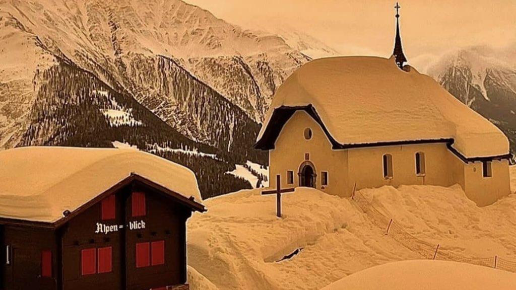 """<span class=""""entry-title-primary"""">Incríveis imagens de neve marrom na Europa</span> <h2 class=""""entry-subtitle"""">Poeira vinda do Saara transformou paisagem de montanhas e estações de esqui </h2>"""