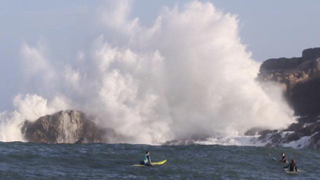 """<span class=""""entry-title-primary"""">Mar gigante em Santa Catarina</span> <h2 class=""""entry-subtitle"""">Imagens mostram o swell histórico de verão no Rosa </h2>"""