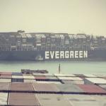 """<span class=""""entry-title-primary""""><span style='color:#ff0000;font-size:14px;'>CRISE NO SUEZ </span><br> Khamsin – Conheça o vento que causou a crise do navio no Suez</span> <span class=""""entry-subtitle"""">Navio Ever Given encalhou no Canal de Suez após ser atingido por forte vento e bloqueou a famosa rota marítima </span>"""
