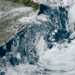 """<span class=""""entry-title-primary""""><span style='color:#ff0000;font-size:14px;'>CICLONE </span><br> Ciclone na costa vai manter períodos de chuva isolada</span> <span class=""""entry-subtitle"""">Ciclone no Atlântico na costa brasileira não é intenso e não oferece maiores riscos hoje, enfatiza a MetSul </span>"""