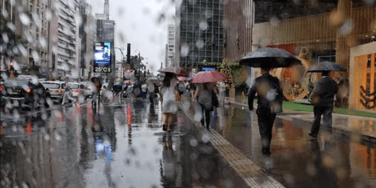 """<span class=""""entry-title-primary"""">Frente fria chega com chuva ao estado de São Paulo</span> <span class=""""entry-subtitle"""">Tendência é a melhora do tempo no estado paulista no fim de semana </span>"""