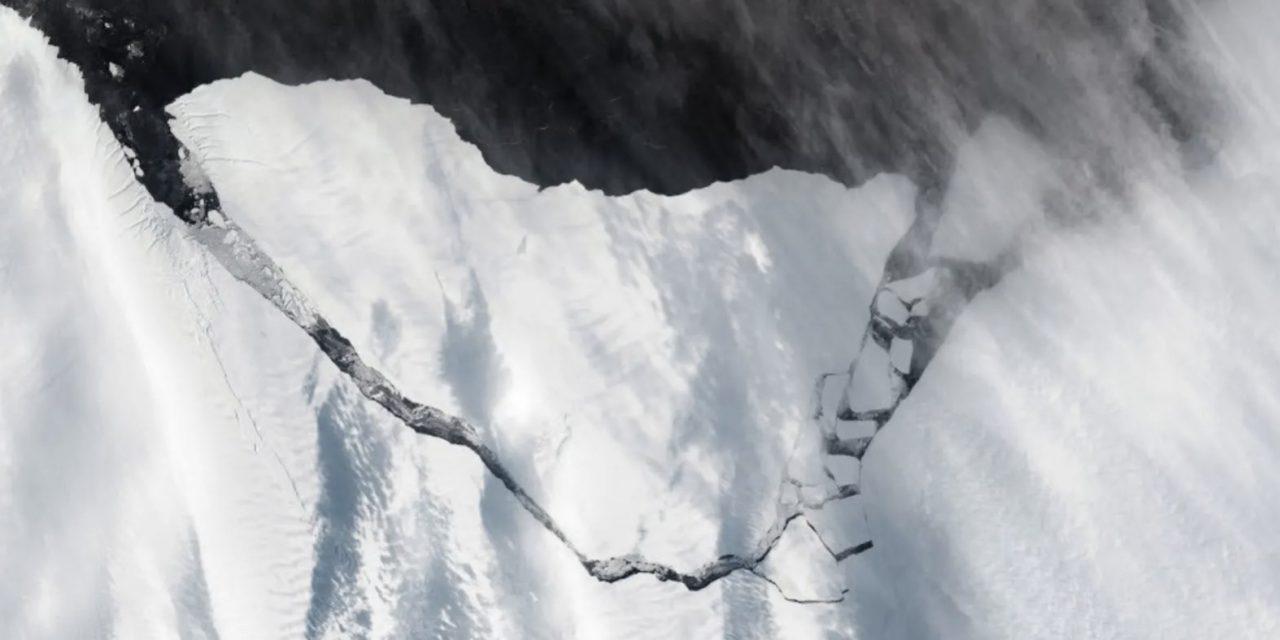 """<span class=""""entry-title-primary"""">Iceberg gigante na Antártida</span> <h2 class=""""entry-subtitle"""">Desprendimento já era esperado por cientistas que monitoram o gelo da região </h2>"""