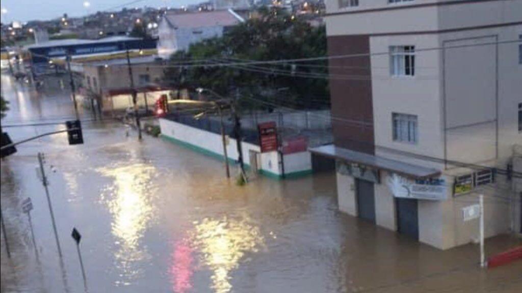 """<span class=""""entry-title-primary"""">Chuva seguirá castigando Santa Catarina</span> <span class=""""entry-subtitle"""">Volumes muito altos pela MetSul se confirmaram e alerta agora é para mais chuva com novos transtornos </span>"""