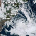 """<span class=""""entry-title-primary""""><span style='color:#ff0000;font-size:14px;'>CICLONE </span><br> O que traz o ciclone a Sudeste do Rio Grande do Sul?</span> <span class=""""entry-subtitle"""">Sistema influencia o tempo no Estado agora na segunda metade da semana </span>"""