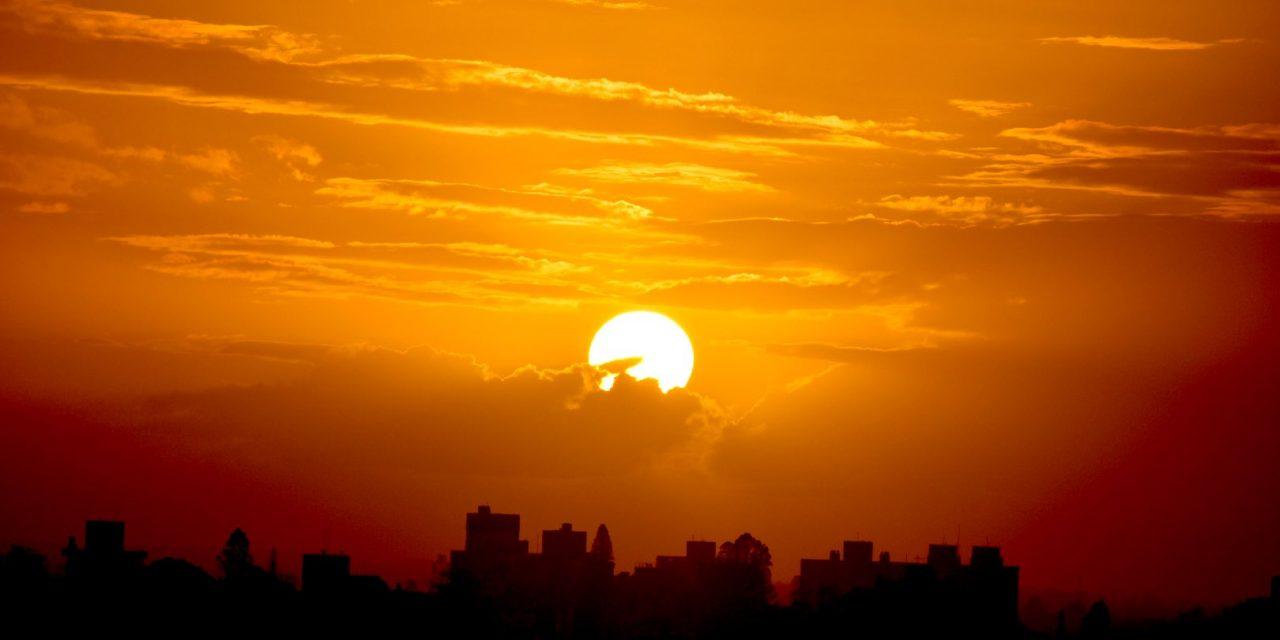 """<span class=""""entry-title-primary"""">Veja a previsão do tempo para esta quarta-feira (31/3)</span> <span class=""""entry-subtitle"""">Dia começa com frio em algumas regiões s terá o predomínio do sol no Estado </span>"""