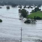 """<span class=""""entry-title-primary""""><span style='color:#ff0000;font-size:14px;'>DILÚVIO AUSTRALIANO </span><br> Emergência pela chuva e inundações na Austrália</span> <span class=""""entry-subtitle"""">Volumes extraordinários de chuva são previstos para este fim de semana em New South Wales </span>"""