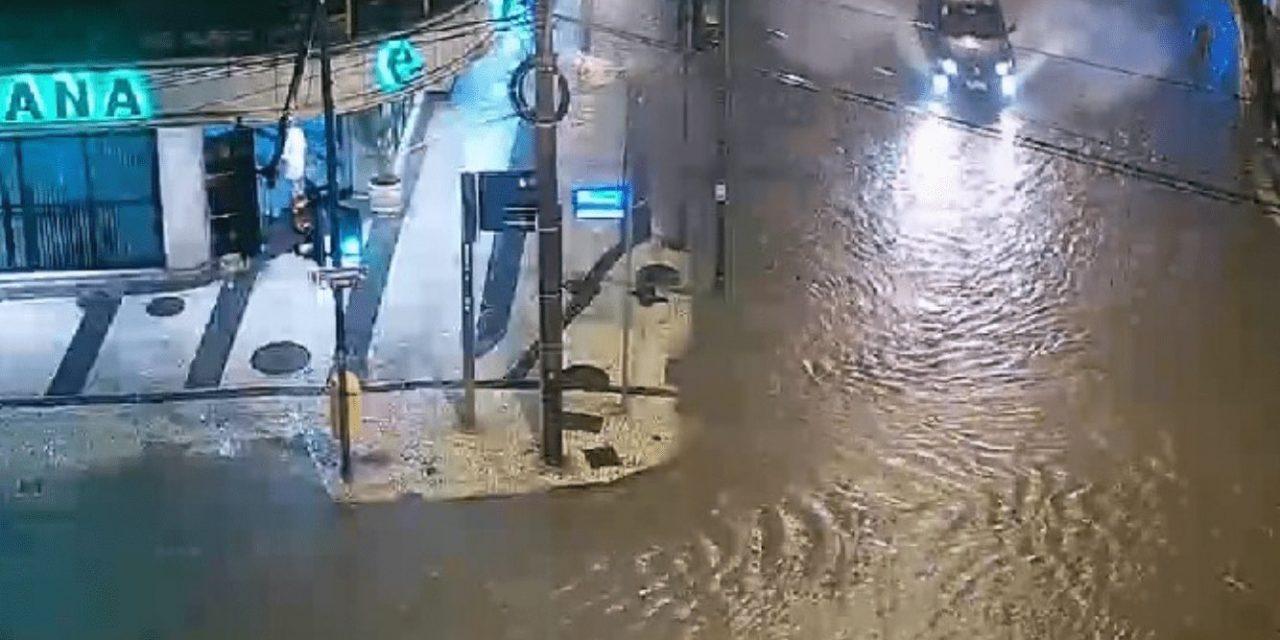 """<span class=""""entry-title-primary"""">Chuva forte atinge o Rio de Janeiro</span> <span class=""""entry-subtitle"""">Chuva superior a 100 mm em pontos da cidade do Rio de Janeiro traz alagamentos e deslizamentos de terra. Município entrou em estágio de atenção com a chuva intensa. </span>"""