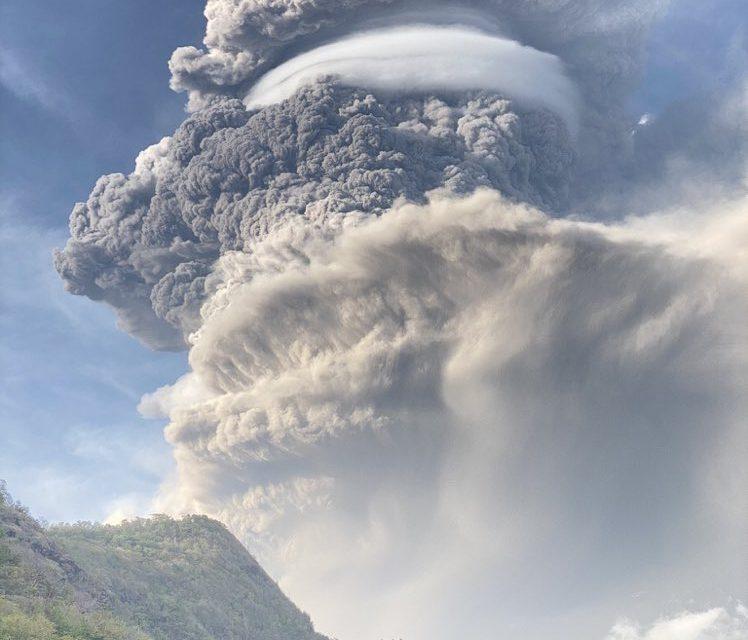 """<span class=""""entry-title-primary"""">As incríveis imagens da erupção vulcânica no Caribe</span> <h2 class=""""entry-subtitle"""">Vulcão La Soufrière registra a sua maior erupção desde 1979 na ilha de Saint Vincent </h2>"""