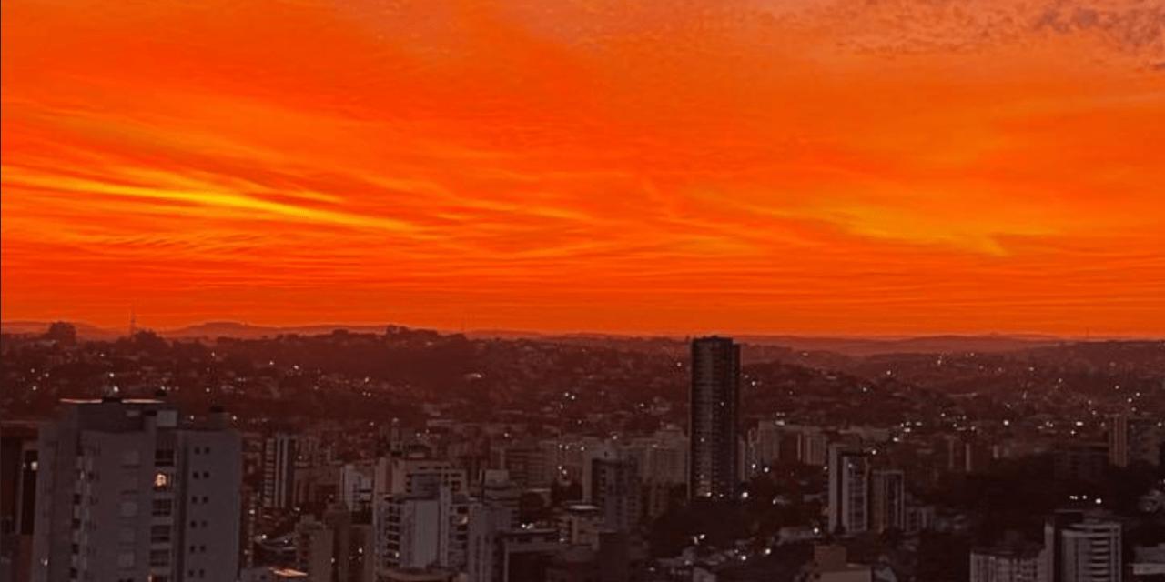 """<span class=""""entry-title-primary"""">Céu dá show no Rio Grande</span> <span class=""""entry-subtitle"""">Veja as imagens do fim da tarde de sábado em diferentes regiões gaúchas </span>"""