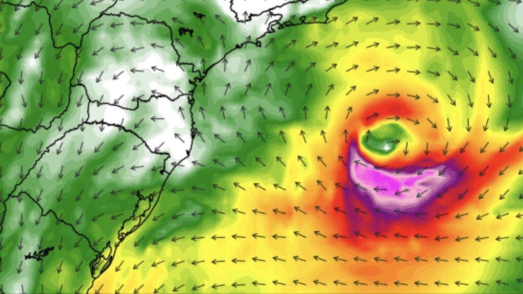 """<span class=""""entry-title-primary"""">Potira traz riscos em Santa Catarina</span> <h2 class=""""entry-subtitle"""">Circulação da tempestade subtropical no oceano favorecerá chuva localmente forte e volumosa com risco de granizo, além de deixar o mar agitado com perigo para a pesca</h2>"""