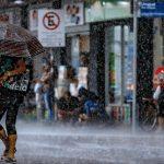"""<span class=""""entry-title-primary""""><span style='color:#ff0000;font-size:14px;'>INSTABILIDADE </span><br> Chuva avança pelo Sul do Brasil</span> <span class=""""entry-subtitle"""">Maiores volumes de chuva são esperados no Rio Grande do Sul até sábado ao passo que no restante do Sul do Brasil a chuva será mais irregular  </span>"""