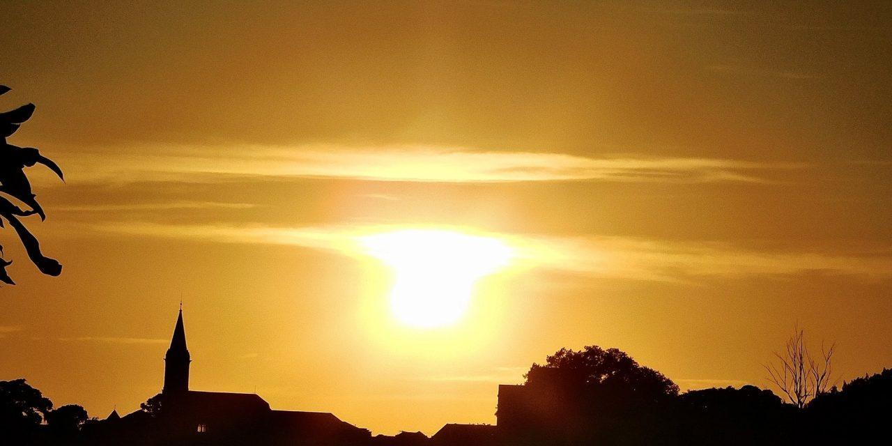 """<span class=""""entry-title-primary"""">Veja a previsão do tempo para esta terça-feira (13/4)</span> <h2 class=""""entry-subtitle"""">Massa de ar seco cobre o Rio Grande do Sul e garante um dia de tempo ensolarado </h2>"""