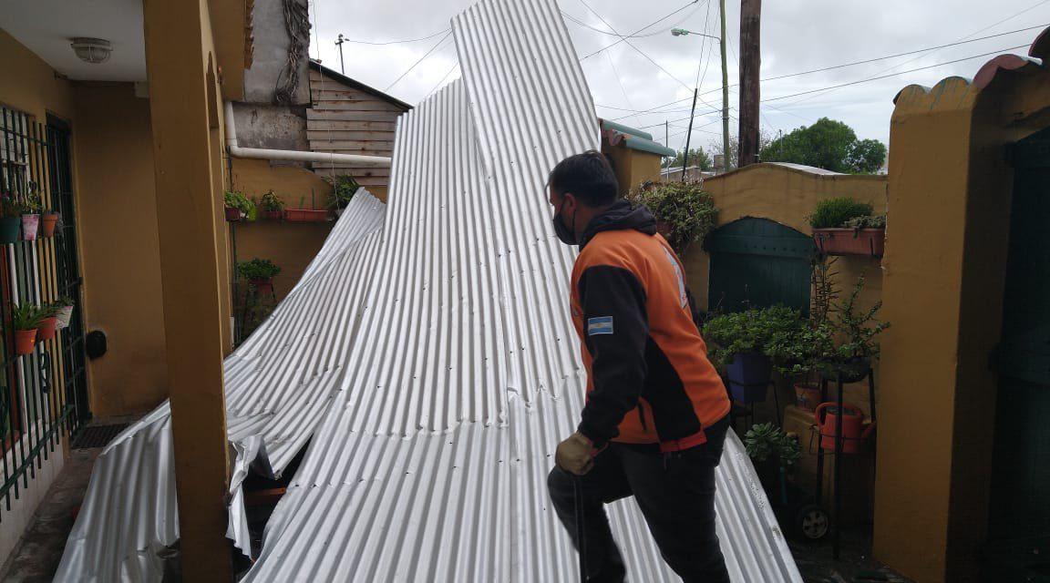 """<span class=""""entry-title-primary"""">Ciclone causa estragos na Argentina</span> <span class=""""entry-subtitle"""">Ciclone se formou neste domingo a Leste da foz do Rio da Prata e trouxe forte vento no Uruguai e Argentina </span>"""
