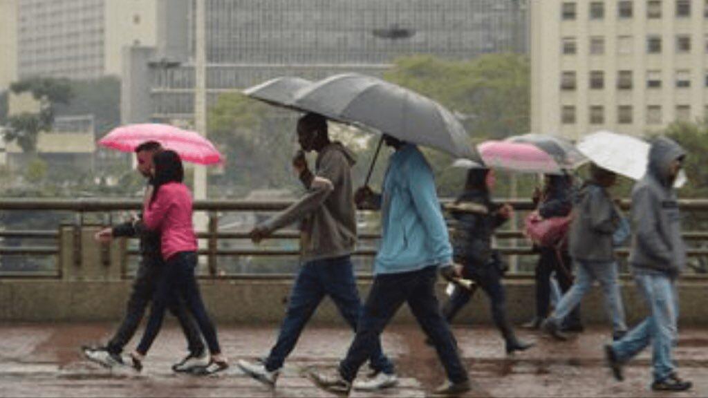 """<span class=""""entry-title-primary"""">São Paulo terá chuva e risco de temporais</span> <span class=""""entry-subtitle"""">Fim de semana e começo da próxima semana terão predomínio da instabilidade no Leste de São Paulo </span>"""