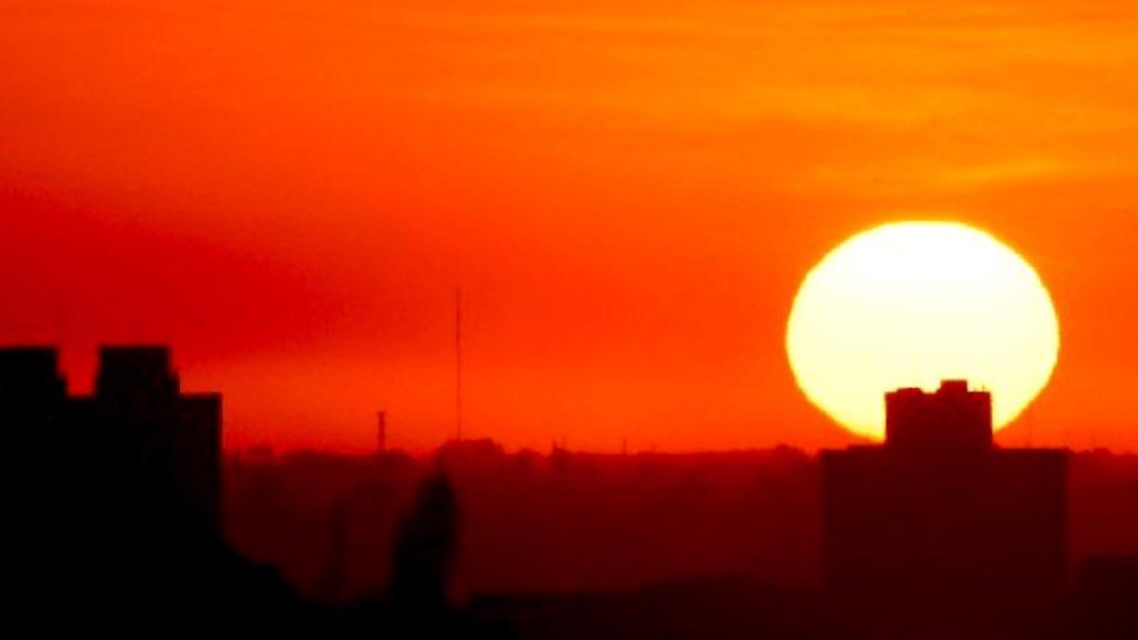 """<span class=""""entry-title-primary"""">Calor perto de 40°C neste sábado</span> <span class=""""entry-subtitle"""">Rio Grande do Sul terá um sábado escaldante de temperatura muitíssimo acima da média da época do ano </span>"""