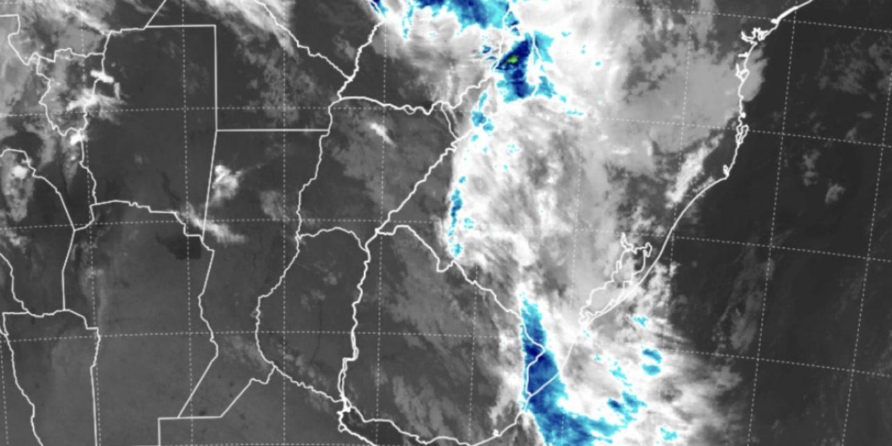 """<span class=""""entry-title-primary"""">Chuva avança no Sul do Brasil com frente fria</span> <span class=""""entry-subtitle"""">Sábado foi de tempo chuvoso no Oeste gaucho e outras áreas do Rio Grande do Sul, Santa Catarina e Paraná devem ter chuva neste domingo </span>"""
