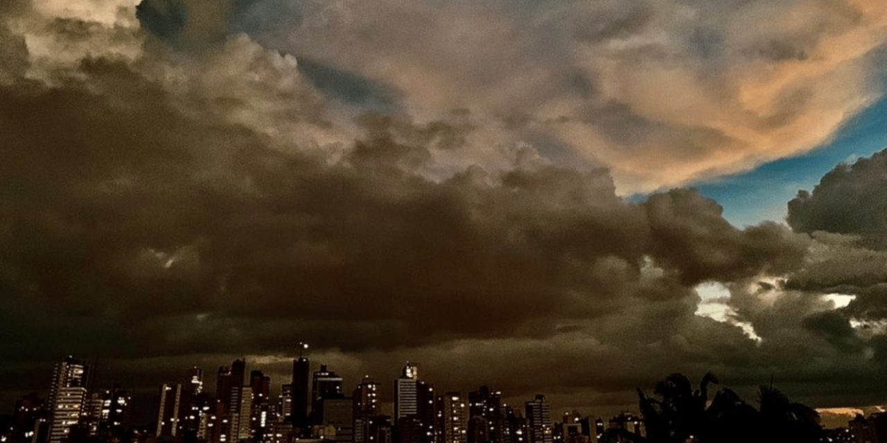 "<span class=""entry-title-primary"">Veja a previsão do tempo para este domingo (18/4)</span> <span class=""entry-subtitle"">Instabilidade isolada no Nordeste gaúcho, mas o sol predomina no Rio Grande do Sul </span>"