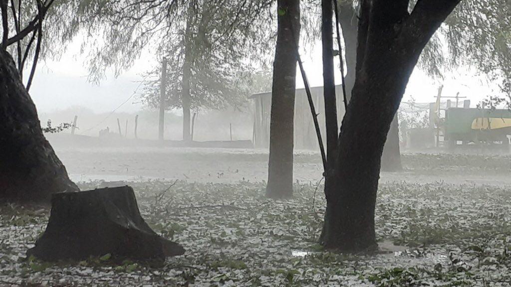 """<span class=""""entry-title-primary"""">Paraguai atingido por fortes tempestades de granizo</span> <span class=""""entry-subtitle"""">Mesmo sistema que foi responsável por trazer temporais na Argentina provocou o granizo no Paraguai na tarde da quinta-feira </span>"""