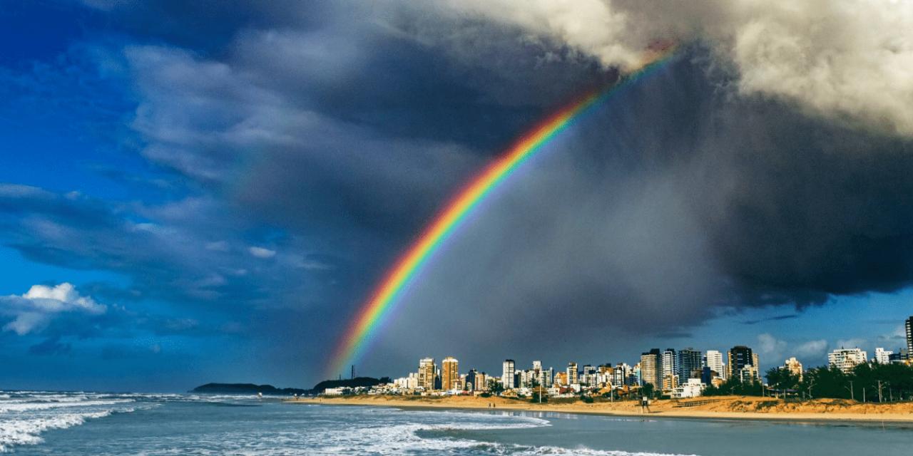 """<span class=""""entry-title-primary"""">Arco-íris e pancadões</span> <span class=""""entry-subtitle"""">Circulação ciclônica favorece alternância repetida de sol e chuva </span>"""