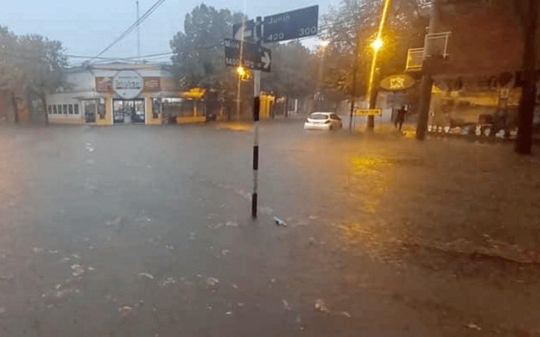 Chuva bate recorde na Argentina Centro da Argentina e parte do Uruguai tiveram muita chuva nas últimas horas e instabilidade prossegue