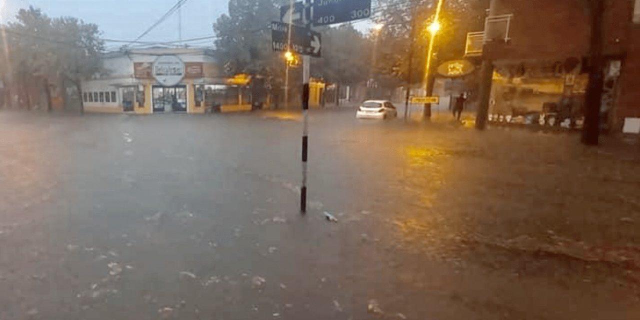 """<span class=""""entry-title-primary"""">Chuva bate recorde na Argentina</span> <span class=""""entry-subtitle"""">Centro da Argentina e parte do Uruguai tiveram muita chuva nas últimas horas e instabilidade prossegue </span>"""