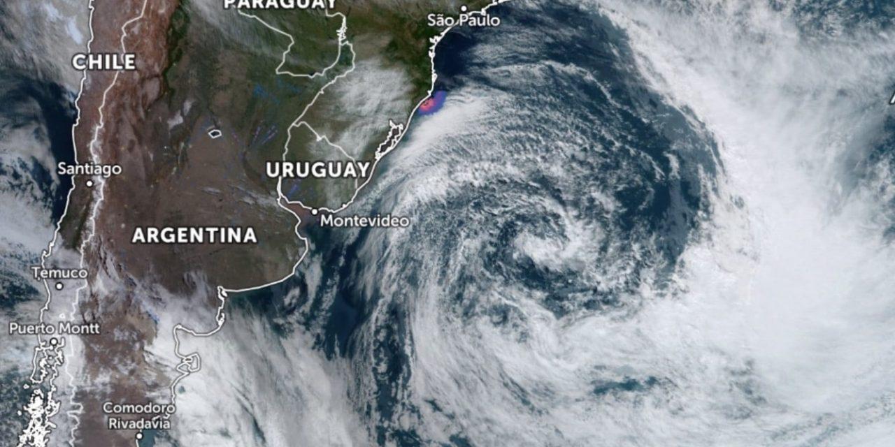 """<span class=""""entry-title-primary"""">Ciclone dá lugar a frio mais intenso e geada</span> <h2 class=""""entry-subtitle"""">Vento ainda trouxe transtornos nesta segunda-feira no Rio Grande do Sul </h2>"""