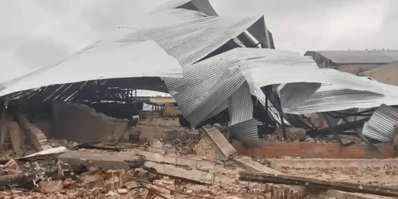 """<span class=""""entry-title-primary"""">Temporal destrutivo na fronteira</span> <span class=""""entry-subtitle"""">Jaguarão teve destelhamentos, queda de árvores e postes em consequência de uma tempestade severa de vento e granizo </span>"""
