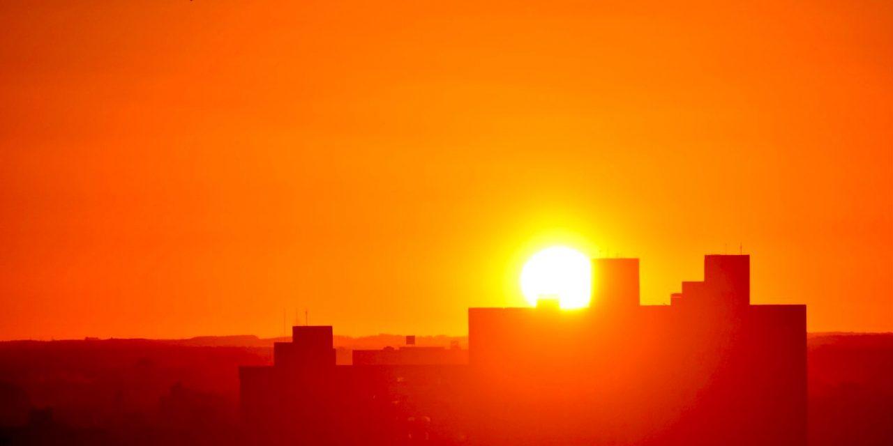 """<span class=""""entry-title-primary"""">Previsão do tempo – Sol, frio e geada</span> <h2 class=""""entry-subtitle"""">Rio Grande do Sul está sob influência de uma massa de ar seco e frio </h2>"""
