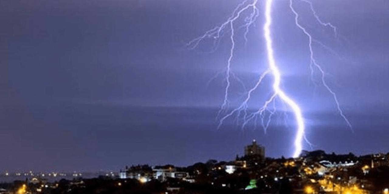 """<span class=""""entry-title-primary"""">Vai ter raio em Porto Alegre?</span> <h2 class=""""entry-subtitle"""">Previsão da MetSul indica alta probabilidade de raios na capital gaúcha com a chegada de chuva mais forte</h2>"""