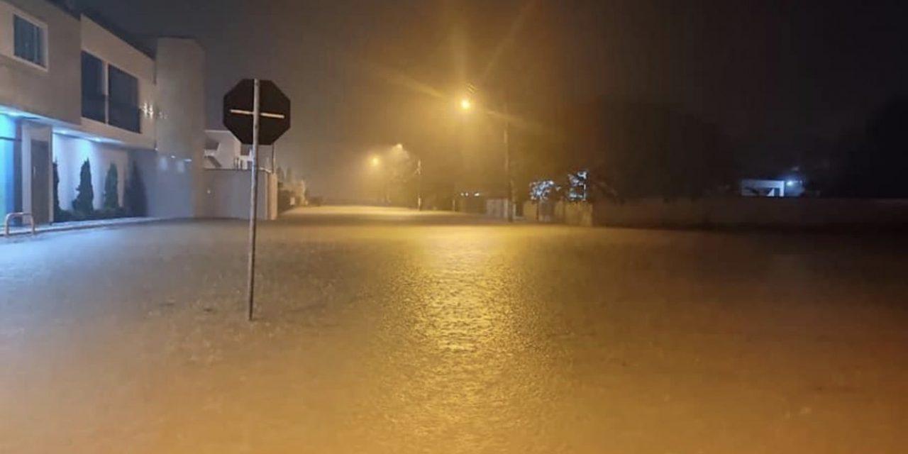 """<span class=""""entry-title-primary"""">Inundações, deslizamentos e granizo em Santa Catarina</span> <h2 class=""""entry-subtitle"""">Chuva de quase 300 mm nas últimas horas em alguns pontos traz transtornos para a população e que eram alertados desde o domingo pela MetSul Meteorologia </h2>"""