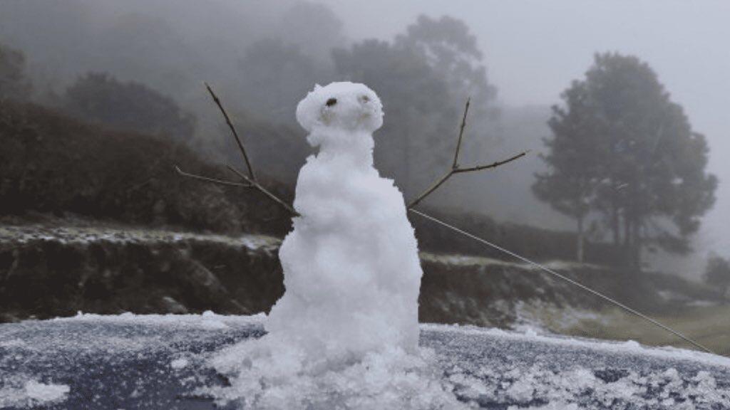 """<span class=""""entry-title-primary"""">Neva nos três estados do Sul, vem mais neve e temperatura cairá ainda mais</span> <span class=""""entry-subtitle"""">Parte mais intensa da massa de ar polar atua no Sul do Brasil entre a noite desta segunda-feira e a manhã de terça e deve voltar a nevar no Rio Grande do Sul e Santa Catarina </span>"""