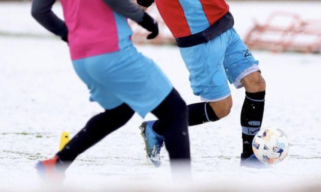 Futebol com neve na Argentina
