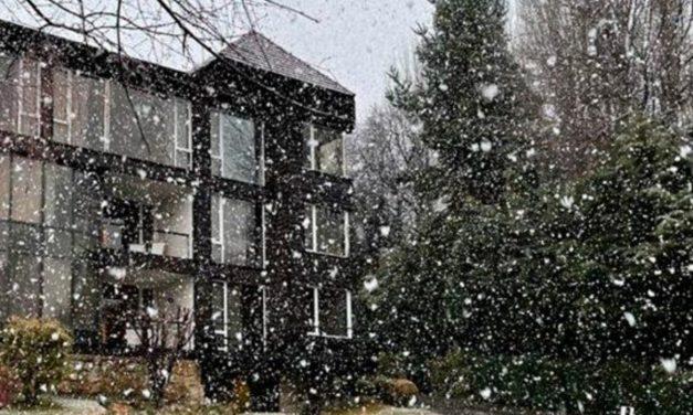 Forte nevada com avanço de ar polar na Argentina