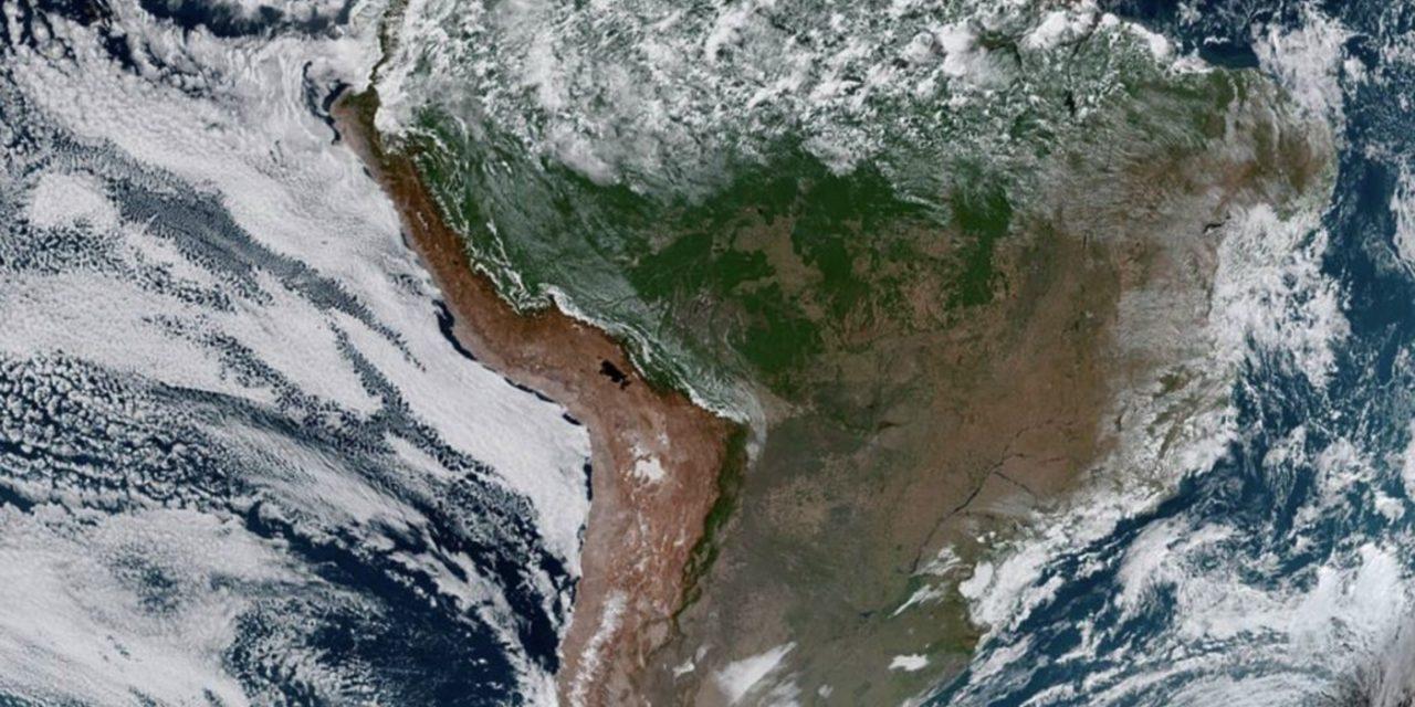 """<span class=""""entry-title-primary"""">Grande parte da América do Sul sem nuvens</span> <span class=""""entry-subtitle"""">Porção central do continente vive sequência de dias de tempo muito aberto e céu claro </span>"""