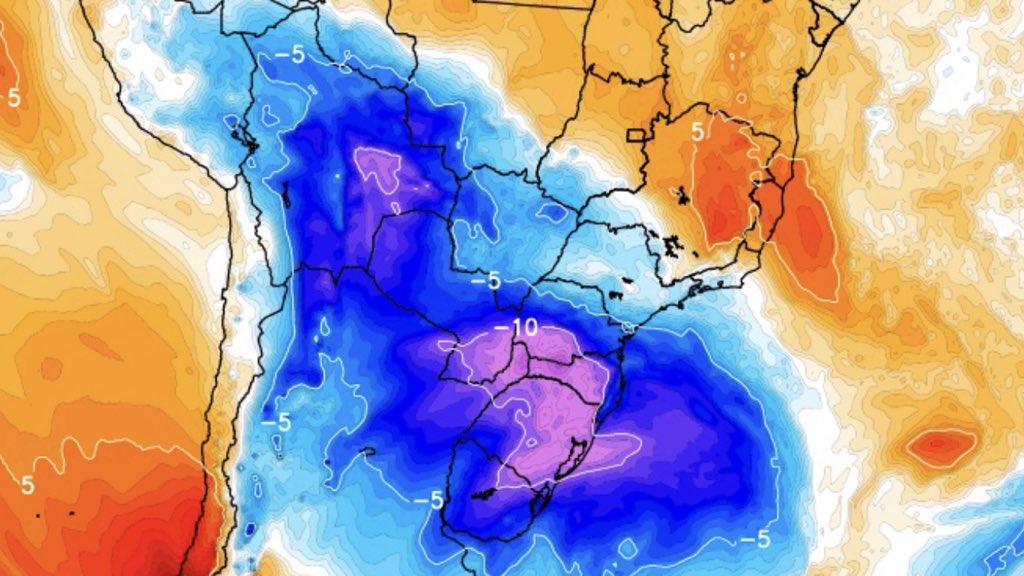 """<span class=""""entry-title-primary"""">Forte massa de ar polar derrubará a temperatura no Brasil</span> <span class=""""entry-subtitle"""">Queda da temperatura será muito acentuada no fim de semana com madrugadas gélidas e de muita geada na primeira metade da semana que vem </span>"""