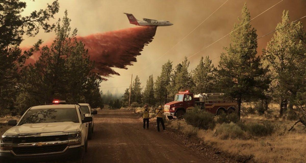 """<span class=""""entry-title-primary"""">""""Parede de fumaça"""" avança por Estados Unidos e Canadá</span> <span class=""""entry-subtitle"""">Enorme quantidade de fumaça que avança pelos territórios norte-americano e canadense decorre de grandes incêndios florestais na região Noroeste dos Estados Unidos </span>"""