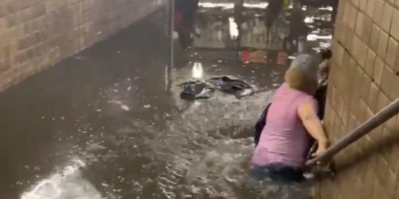 """<span class=""""entry-title-primary"""">Nova York sofre com inundações após tempestade de chuva</span> <h2 class=""""entry-subtitle"""">Cidade de Costa Leste americana testemunhou cenas que os brasileiros estão acostumados a ver em suas metrópoles durante os temporais de verão </h2>"""