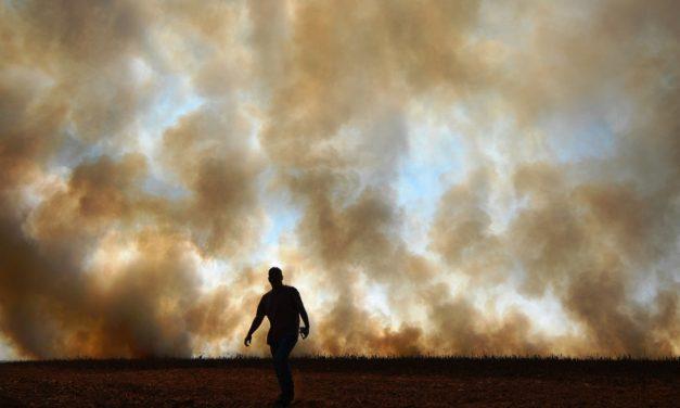 Umidade despenca em grande parte do Brasil e dispara o risco de queimadas