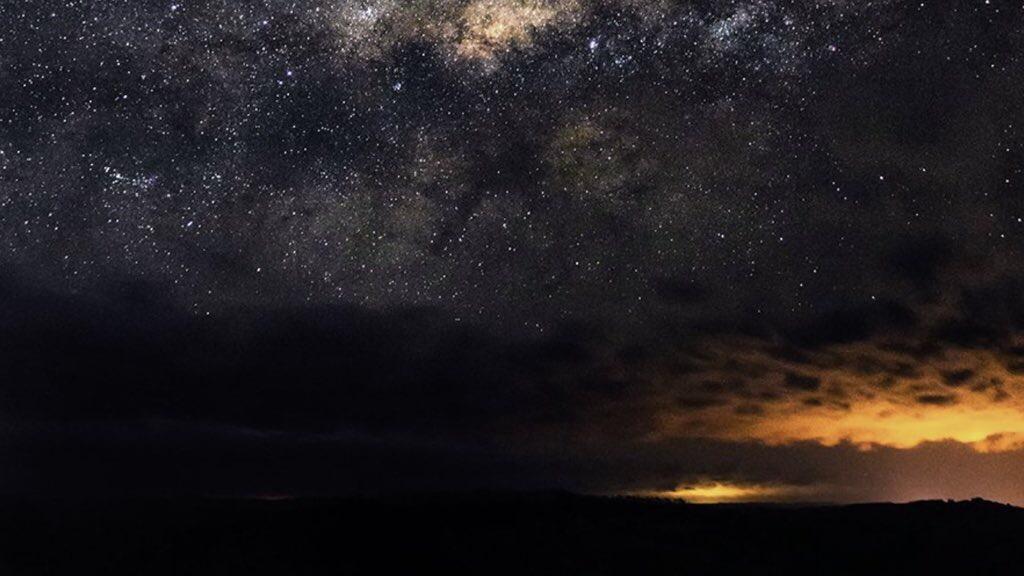 """<span class=""""entry-title-primary"""">O ciclone bomba e a Via Láctea</span> <h2 class=""""entry-subtitle"""">A história da fotografia mais sonhado de um bombeiro catarinense e que somente foi possível realizar na escuridão trazida pela tempestade </h2>"""