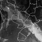 Frente fria avança pelo Brasil com chuva e frio e chegará a SP, RJ e MG
