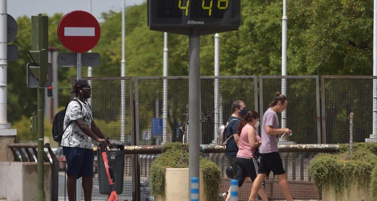 """<span class=""""entry-title-primary"""">Poeira do Saara e calor de até 45ºC na Espanha e Portugal</span> <h2 class=""""entry-subtitle"""">Fim de semana foi de clima extremo na península ibérica com ar muito quente e poeira do deserto do Norte da África </h2>"""