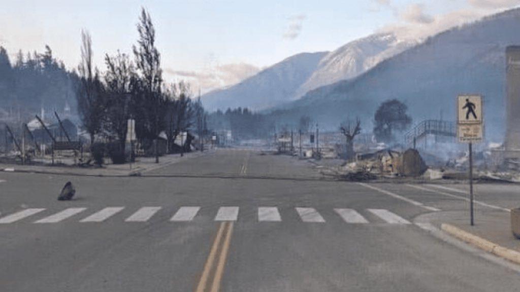 """<span class=""""entry-title-primary"""">Cidade pega fogo após quebrar recorde de calor do Canadá</span> <h2 class=""""entry-subtitle"""">A pequena Lytton, em British Columbia, começou a semana nos noticiários com o novo recorde de calor no Canadá de quase 50°C e termina a semana em cinzas e destruída por um incêndio florestal </h2>"""