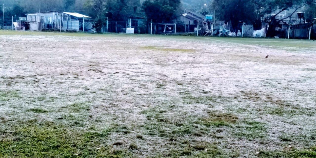 """<span class=""""entry-title-primary"""">Grande Porto Alegre terá mais madrugadas frias e de geada</span> <h2 class=""""entry-subtitle"""">Sexta-feira começou com 4°C e geada em pontos da região metropolitana </h2>"""