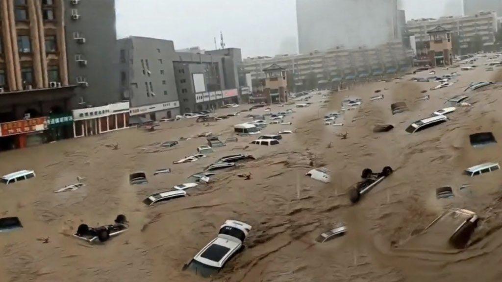 """<span class=""""entry-title-primary"""">O dilúvio de """"mil anos"""" em Zhengzhou, as imagens e as causas</span> <h2 class=""""entry-subtitle"""">Cidade chinesa de Zhengzhou foi tomada pelas águas após chuva recorde com imagens que impressionaram o mundo</h2>"""