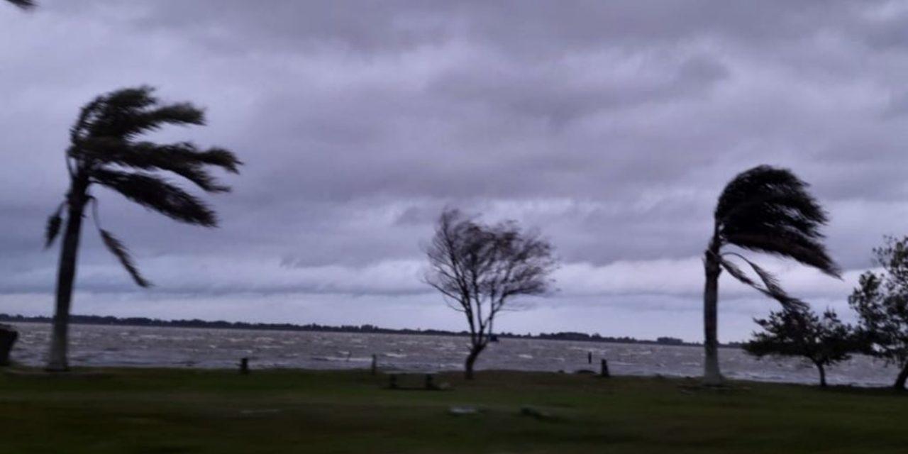 """<span class=""""entry-title-primary"""">Quando diminui e para o vento?</span> <span class=""""entry-subtitle"""">Domingo muito ventoso teve transtornos pela ventania no Uruguai e no Rio Grande do Sul </span>"""
