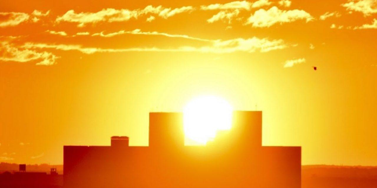 """<span class=""""entry-title-primary"""">Sul do Brasil sairá do frio extremo para o calor</span> <h2 class=""""entry-subtitle"""">Temperatura deve subir acentuadamente nos próximos dias e alguns municípios podem ter até 30°C de máxima dias após o Sul do Brasil ter registrado mais de 10°C abaixo de zero </h2>"""